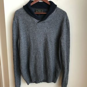Jos A Bank RESERVE v-neck collar grey wool sweater